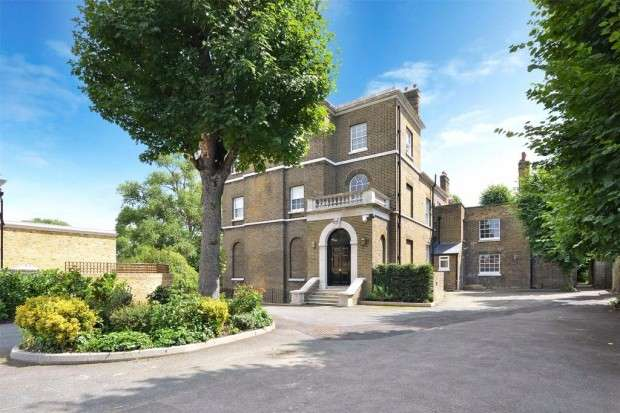 5 Bedrooms Detached House for sale in Rushgrove Street, Woolwich, SE18