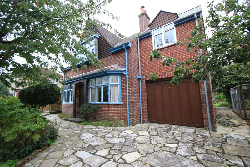 3 Bedrooms Detached House for sale in VICTORIA AVENUE, SWANAGE