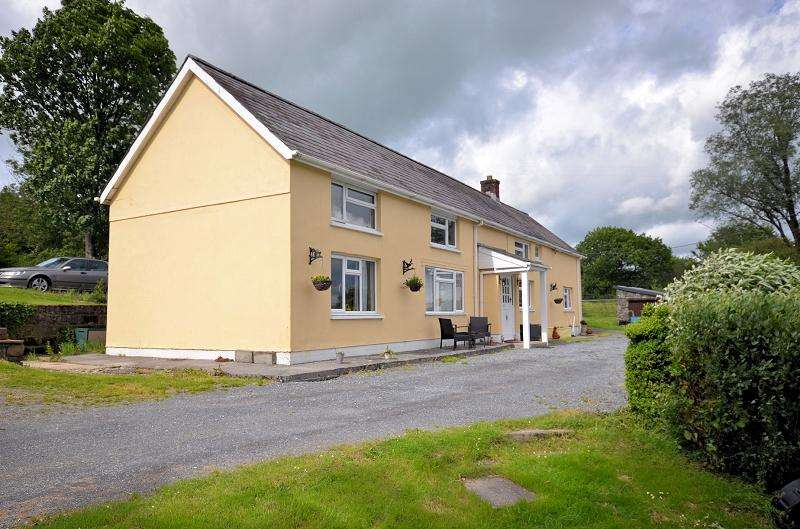 7 Bedrooms Land Commercial for sale in Banc y Ffynnon , Capel Isaac, Llandeilo, Carmarthenshire. SA19 7TS
