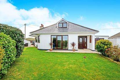 3 Bedrooms Bungalow for sale in St. Agnes, Cornwall