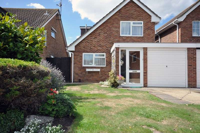 2 Bedrooms Link Detached House for sale in Admirals Walk, Shoeburyness, Southend-On-Sea