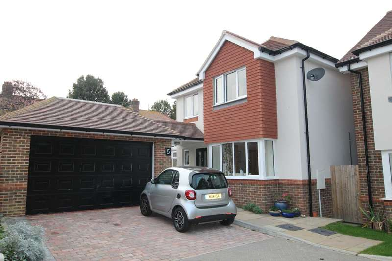 3 Bedrooms Detached House for sale in Upwick Mews, Eastbourne, BN20 8NB