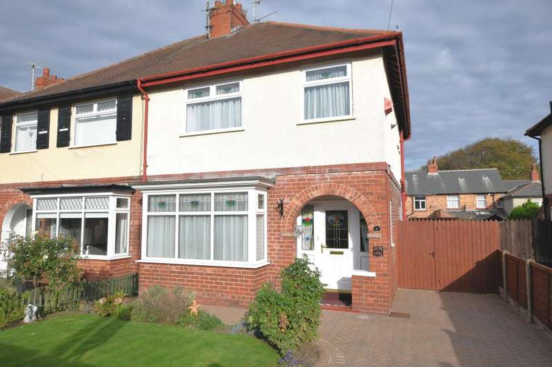 3 Bedrooms Semi Detached House for sale in Newlands Avenue, Scarborough, North Yorkshire YO12 6PS