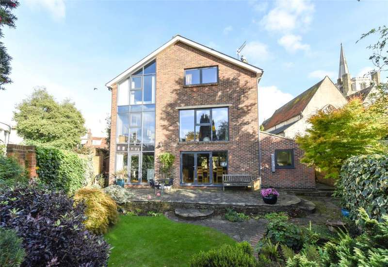 5 Bedrooms Detached House for sale in Tower Street, Chichester, West Sussex, PO19