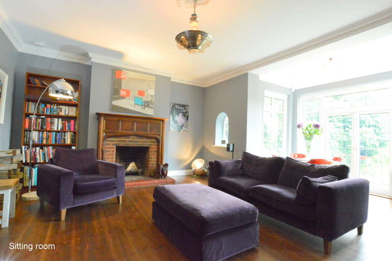 6 Bedrooms Semi Detached House for sale in Rockshaw Road, Merstham