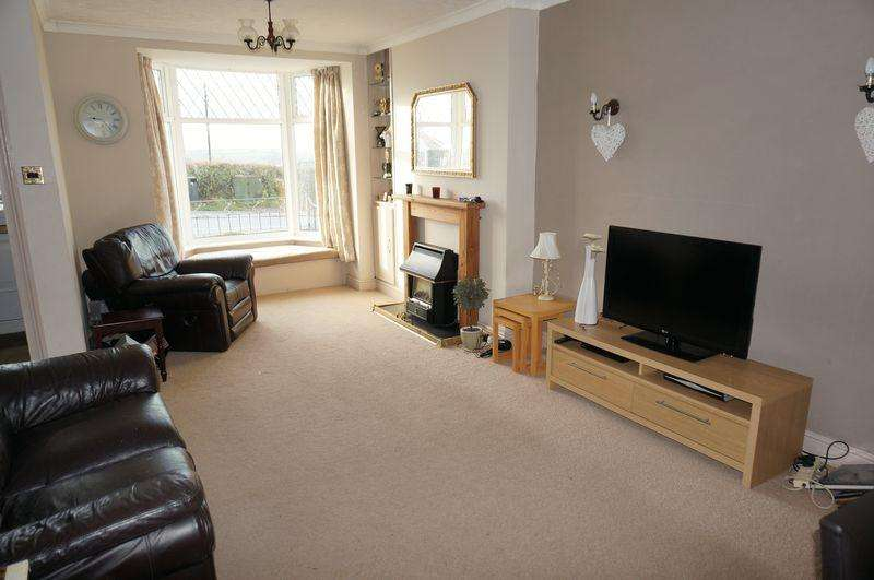 3 Bedrooms Terraced House for sale in Launceston Road, Callington