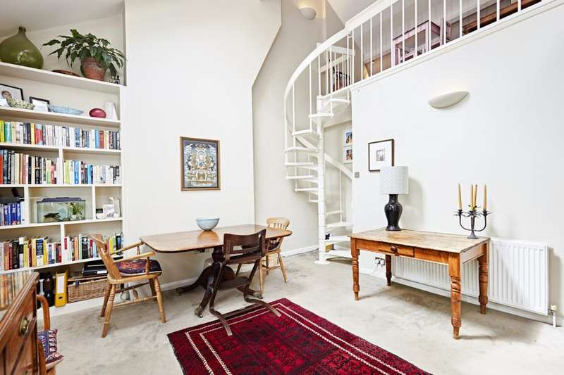 2 Bedrooms Flat for sale in St Stephens's Avenue, London W12