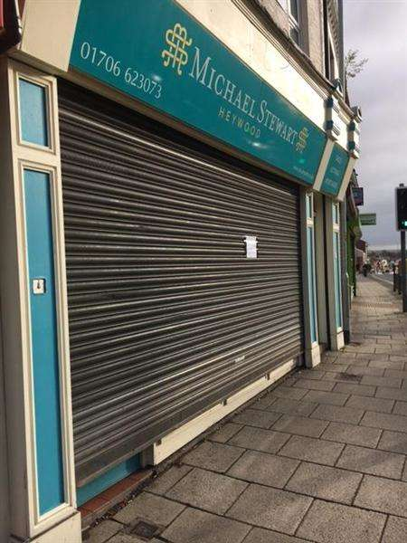 1 Bedroom Commercial Property for rent in Market Place, Heywood