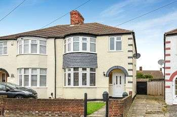 3 Bedrooms Semi Detached House for sale in Mainridge Road, Chislehurst, BR7 6DN