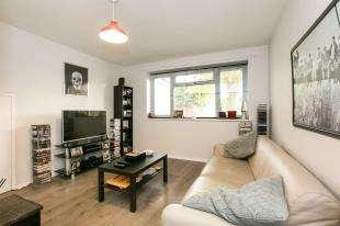1 Bedroom Maisonette Flat for sale in Alanthus Close, Lee, London, .