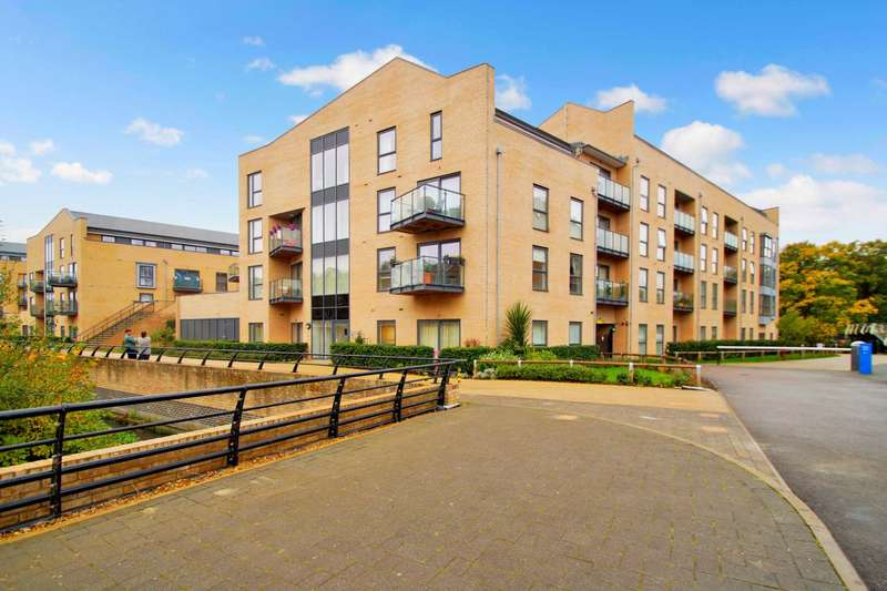 2 Bedrooms Apartment Flat for sale in The Embankment, Nash Mills Wharf, Herts