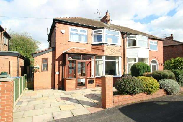 3 Bedrooms Semi Detached House for sale in Downs Drive, Timperley