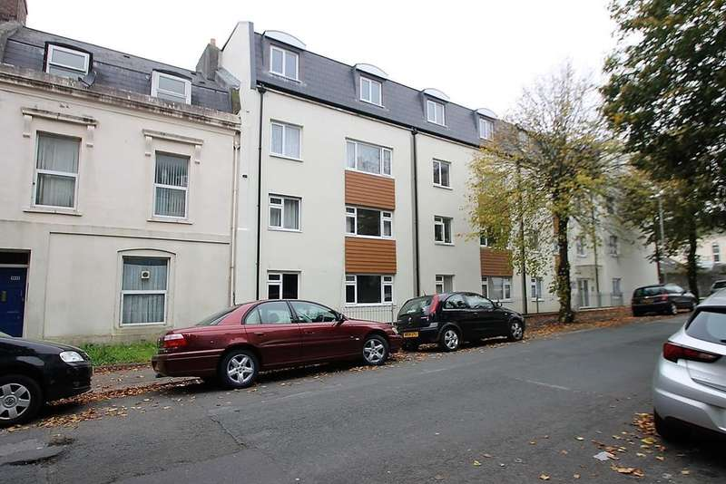 2 Bedrooms Flat for sale in Stoke