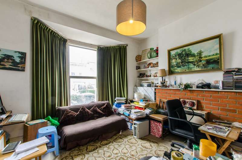 1 Bedroom Flat for sale in Chaucer Road, Poet's Corner, SE24