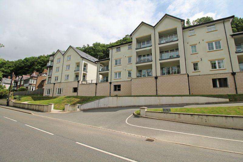 3 Bedrooms Apartment Flat for sale in Abbey Road, Llangollen