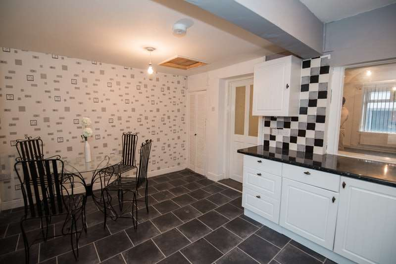 3 Bedrooms Terraced House for sale in Sunnybank Terrace, Treorchy, Rhondda Cynon Taf, CF42