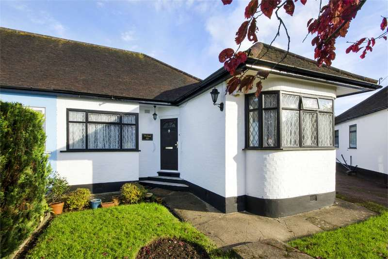 2 Bedrooms Bungalow for sale in Ashdale Grove Stanmore Middlesex HA7