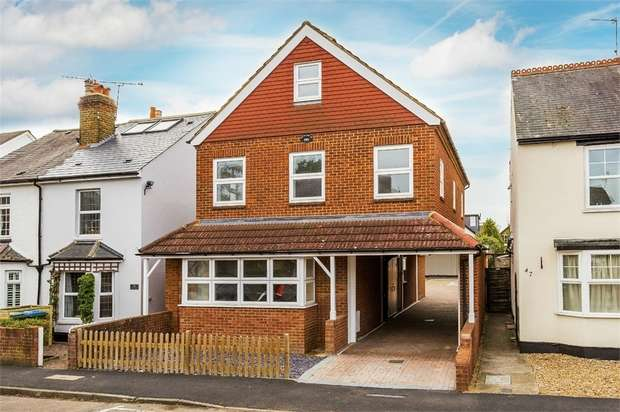 1 Bedroom Studio Flat for sale in Cambridge Road, WALTON-ON-THAMES, Surrey