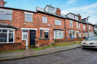 4 Bedrooms Terraced House for sale in Princes Street, Mansfield, Nottingham, Nottinghamshire