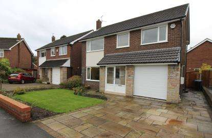 4 Bedrooms Detached House for sale in Vaudrey Drive, Cheadle Hulme, Cheadle