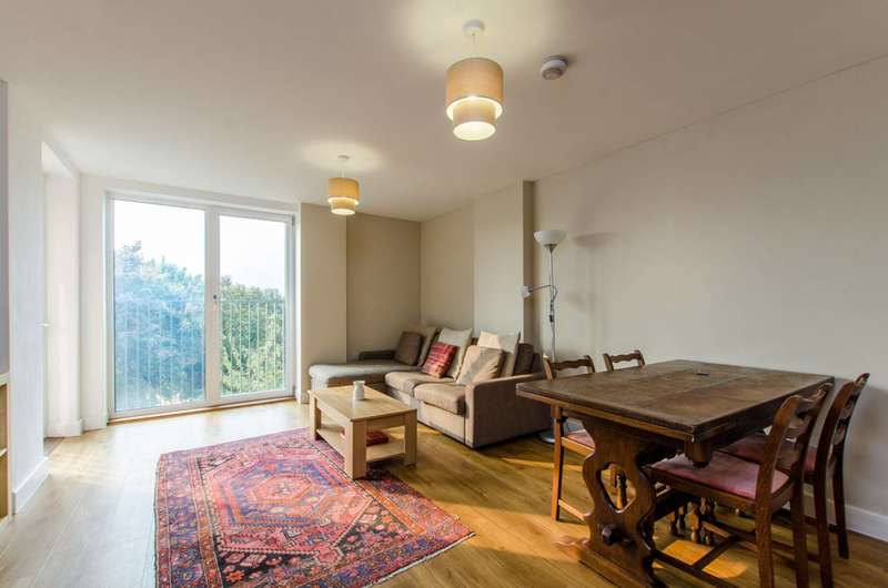 3 Bedrooms Flat for sale in Durant Street, Bethnal Green, E2