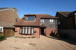 4 Bedrooms Detached House for sale in St. Davids Close, Eastbourne, East, Sussex