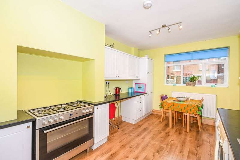 3 Bedrooms Terraced House for sale in Cowley Hill Lane, St. Helens, WA10