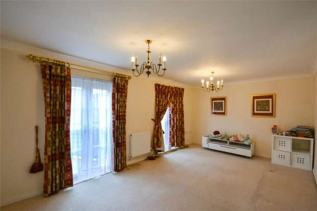 5 Bedrooms Detached House for sale in Lady Aylesford Avenue, STANMORE, Middlesex