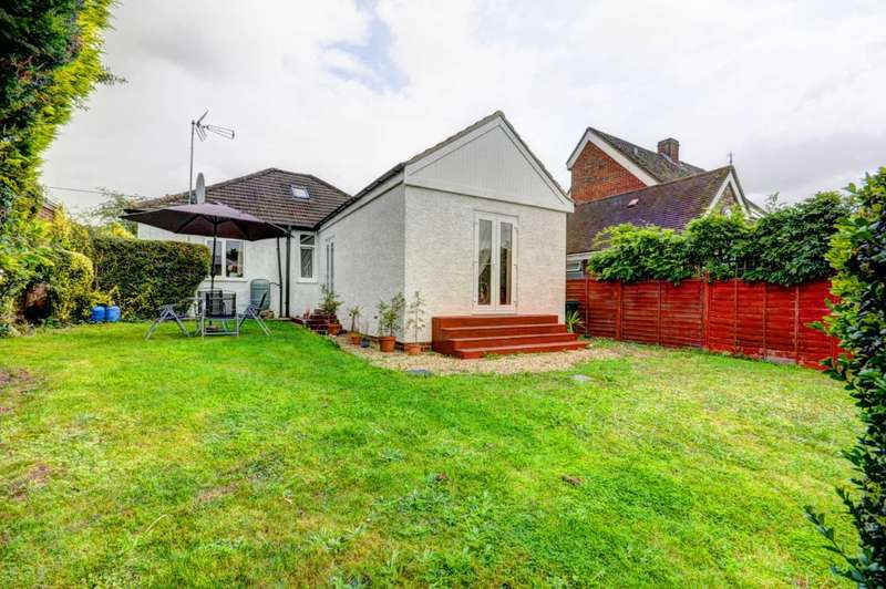 3 Bedrooms Detached House for sale in Green Lane, Radnage