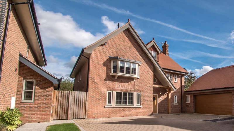 4 Bedrooms Detached House for sale in Oak Park, Alderley Edge
