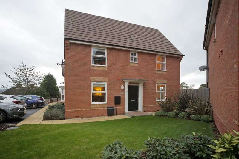 3 Bedrooms Property for sale in Haslingden Crescent, Lower Gornal, Dudley, DY3