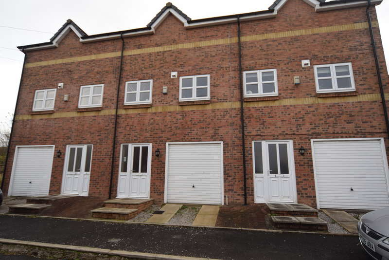 3 Bedrooms Mews House for sale in Elm Mews, Barrow-in-Furness, Cumbria, LA14 5EQ
