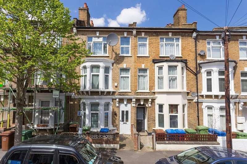 4 Bedrooms House for sale in Glengarry Road, London SE22