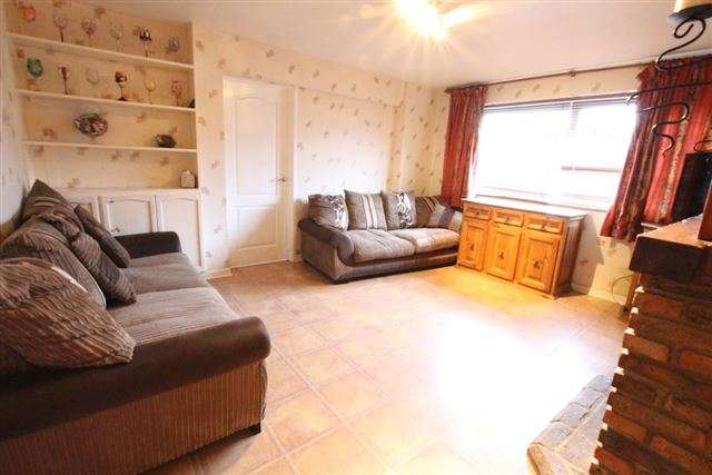 4 Bedrooms Detached House for sale in Beechey Close, Copthorne, Crawley, West Sussex, RH10 3LS