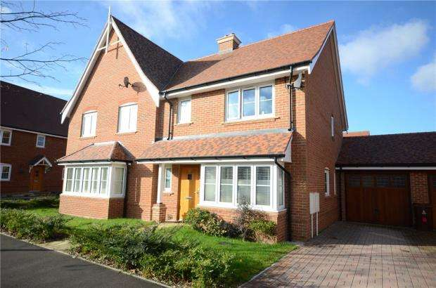 3 Bedrooms Semi Detached House for sale in Wheeler Avenue, Wokingham, Berkshire