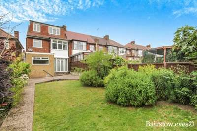 4 Bedrooms Semi Detached House for rent in Arlington Road, Southgate N14