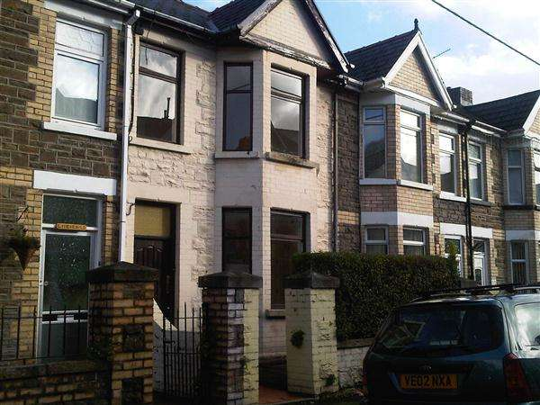 3 Bedrooms House for rent in Holland street, Ebbw Vale