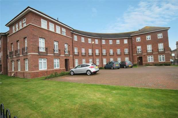 2 Bedrooms Flat for sale in Rochester Way, Shortstown, Bedford