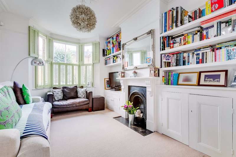 3 Bedrooms End Of Terrace House for sale in St. Margaret's Grove, St. Margaret's