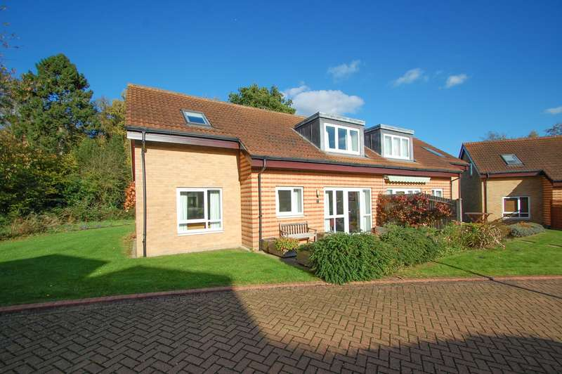 3 Bedrooms House for sale in Chairmans Walk, Denham Garden Village, Denham, UB9