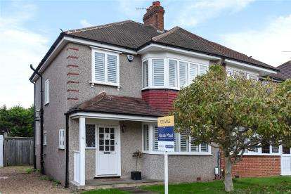 3 Bedrooms Semi Detached House for sale in Chessington Way, West Wickham