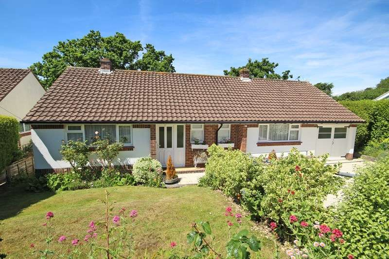 2 Bedrooms Detached Bungalow for sale in Farm Lane South, Barton On Sea, New Milton