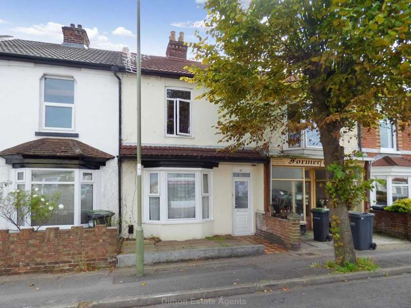 3 Bedrooms Terraced House for sale in Whitworth Road, Gosport