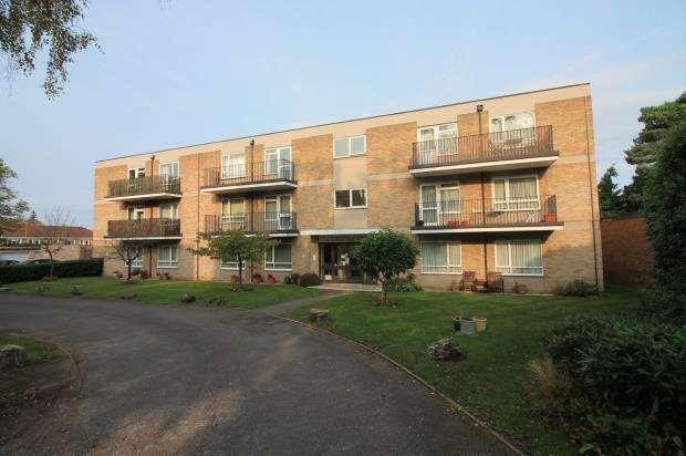 2 Bedrooms Flat for sale in 5 Upper Park Road, Camberley, Surrey