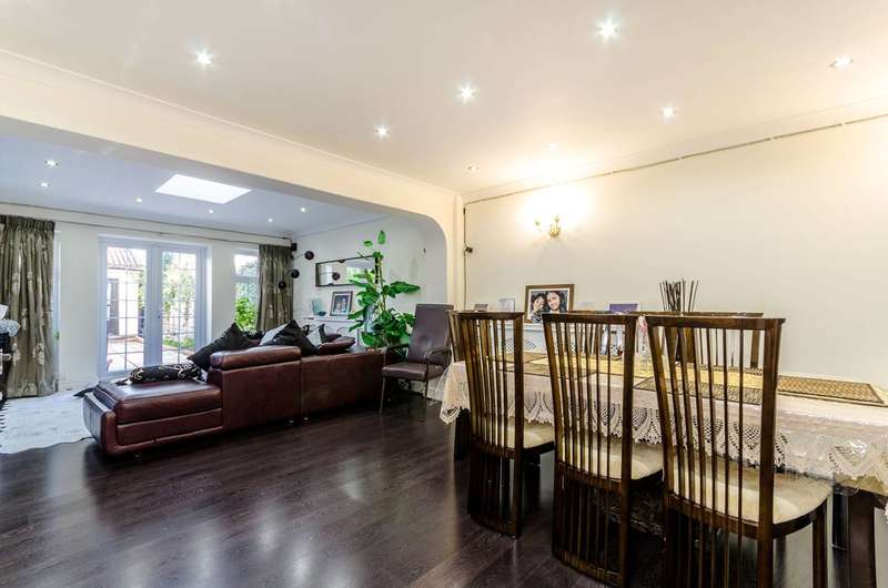 4 Bedrooms House for sale in Green Lane, Worcester Park, KT4