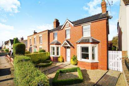 4 Bedrooms Semi Detached House for sale in Salter Street, Berkeley, Gloucestershire