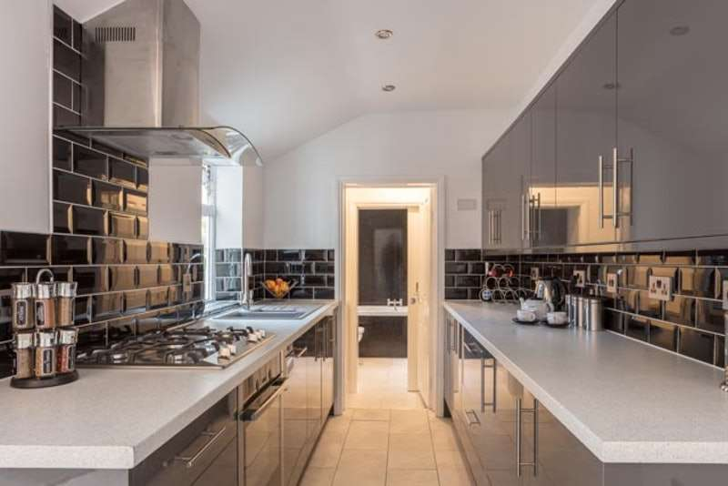 3 Bedrooms Terraced House for sale in Cecil Street, Lincoln, Lincolnshire, LN1