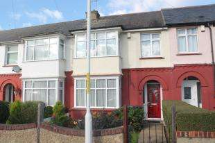 3 Bedrooms Terraced House for sale in Laurel Avenue, Gravesend, Kent