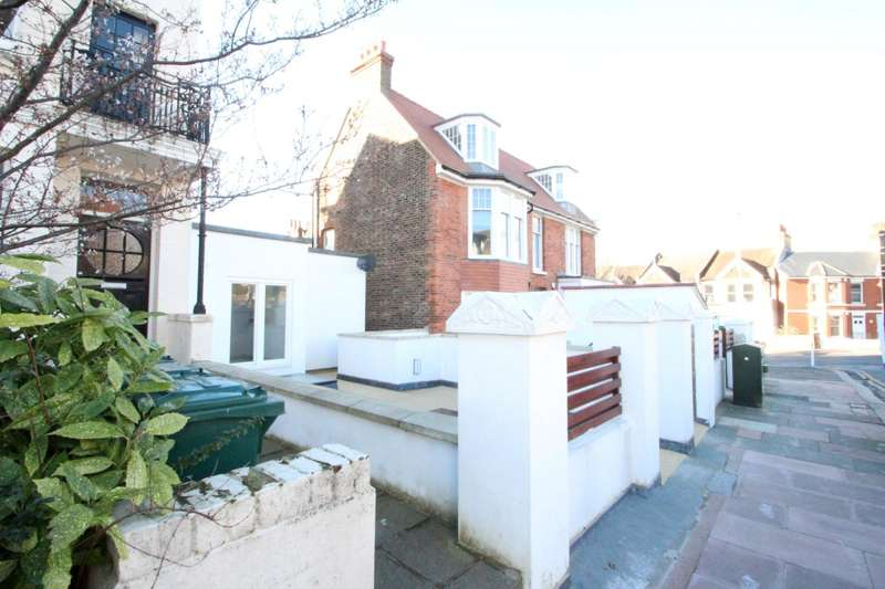 2 Bedrooms Flat for rent in Beaconsfield Villas, Brighton