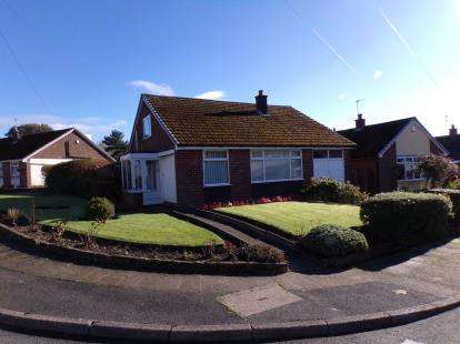 3 Bedrooms Bungalow for sale in Winchester Road, Dukinfield, Cheshire, Greater Manchester